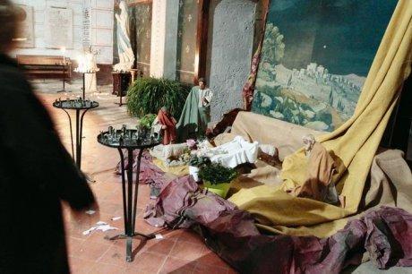 Les casseurs ont emporté l'enfant Jésus, l'âne et le bœuf. (Photo Jean-Louis Borderie)