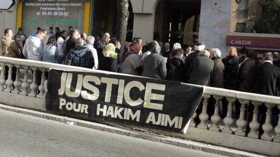 Une mobilisation de soutien et en mémoire d'Hakim Ajimi à Grasse (Alpes-Maritimes), le 12 janvier 2013.