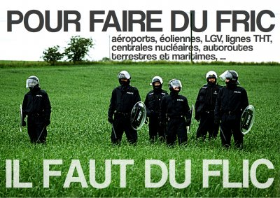 Affiche collée sur le local de recrutement de gendarmerie