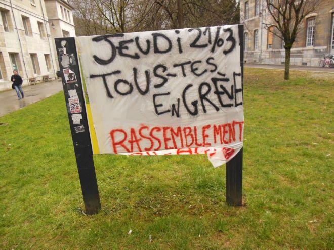 """""""Jeudi 21/01/2013 Tou.te.s en grève Rassemblement  8h00 bâtiment N à Arsenal - AG 12h00"""""""