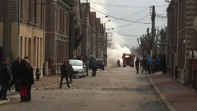 Tensions, départs de feu dans le quartier autour de la rue de Lassigny à Montigny-en-Gohelle.